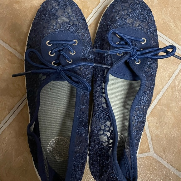 Navy blue floral shoes never worn